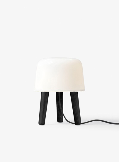 Billede af Milk Tablelamp - NA1 - Black legs & black cord