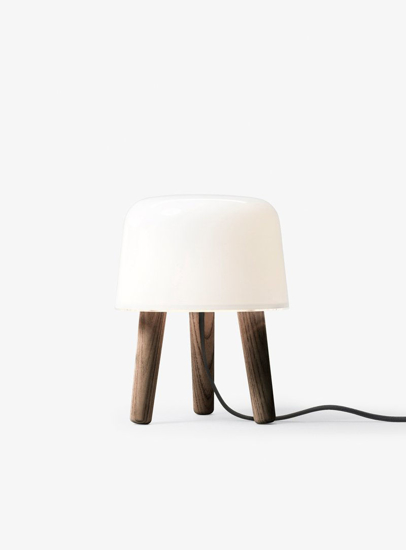 Billede af Milk Table Lamp - NA1 - Smoked oiled legs & black cord