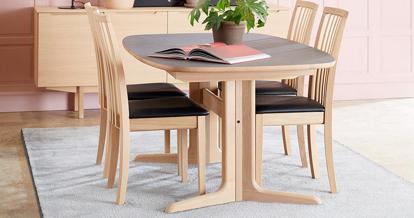 Billede af SM75 spisebord og 4 SM66 stole